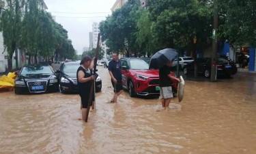 Aumenta para 33 o número de mortos nas inundações