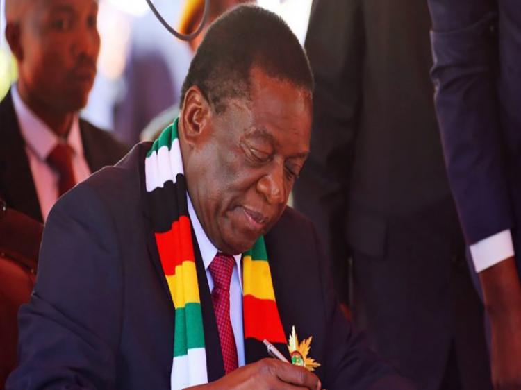Emmerson Mnangagwa: enfim presidente