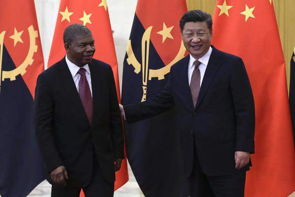 """China promete apoio """"sem condições"""""""