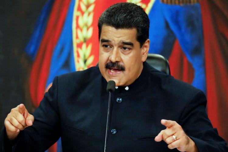 """Maduro diz ser """"vítima"""" dos Estados Unidos"""