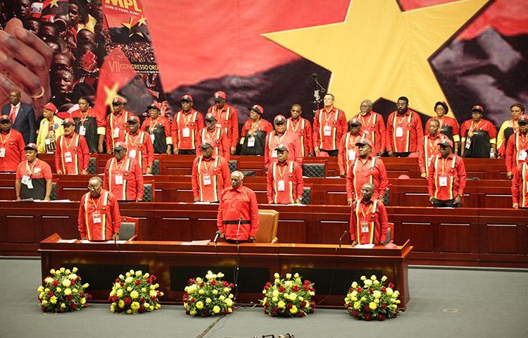 MPLA troca de líder 39 anos depois