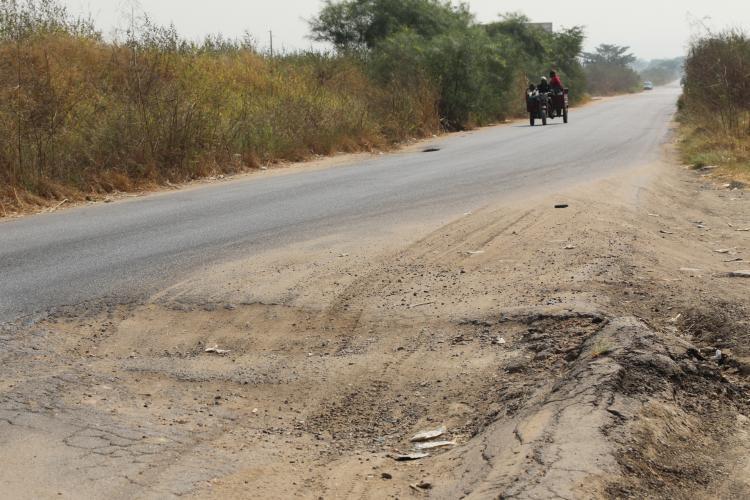 Estradas sem manutenção há mais de 40 anos