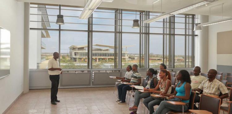 Angola vai contratar docentes cubanos