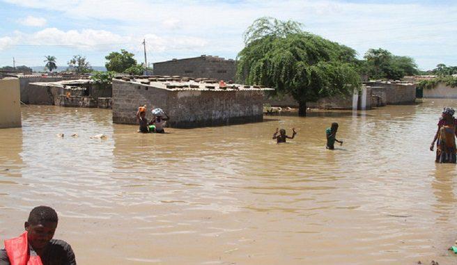 Chuvas destroem 123 residências