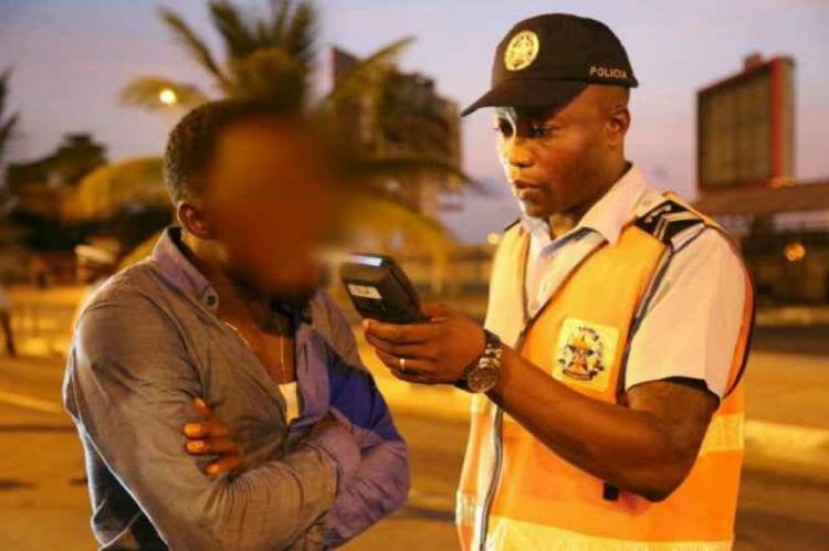 Combate ao álcool nas estradas abre 'negócios'