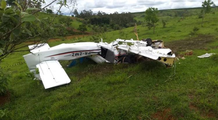 Acidente de avioneta mata cinco