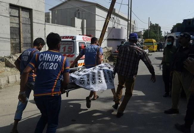 Ataque em mercado causa 20 mortos