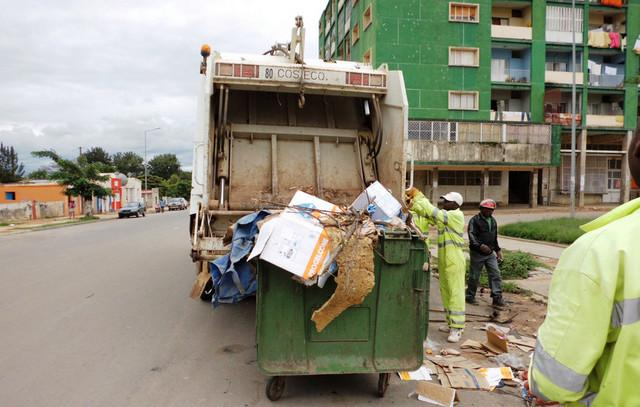 Dívida trava limpeza de Luanda