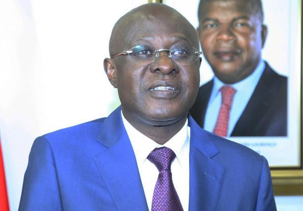 Ministro de Estado preside acto central do 11 de Novembro