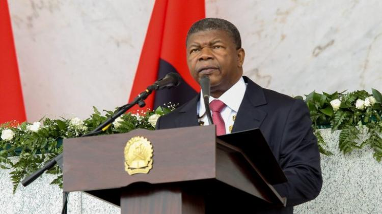 PR condecora 72 personalidades civis e militares