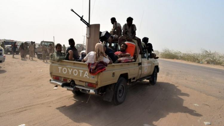 Mais de 50 mortos em confrontos e ataques aéreos