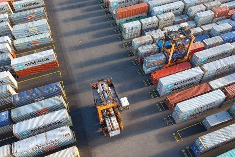 Governo agrava taxas para bens supérfluos