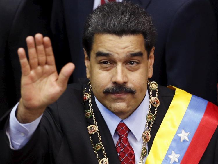Maduro renova mandato sem reconhecimento do Parlamento