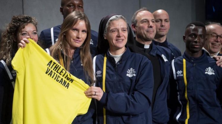 Padres e freiras montam equipa de atletismo