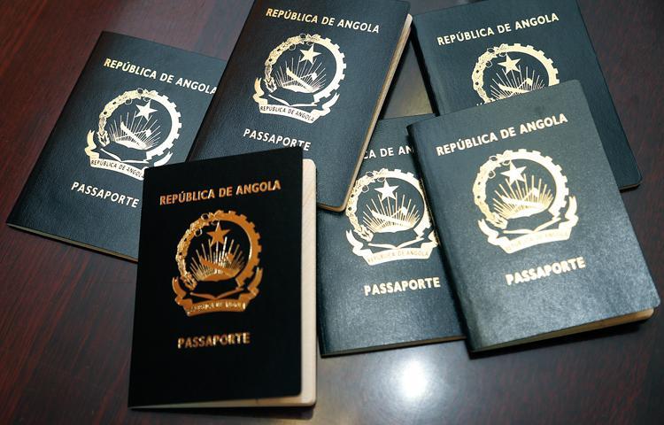 Passaportes ordinários com preços extraordinários