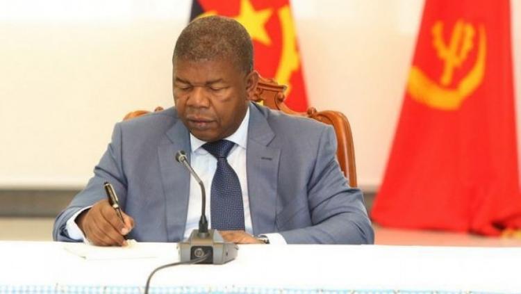 PR exonera governadores provinciais