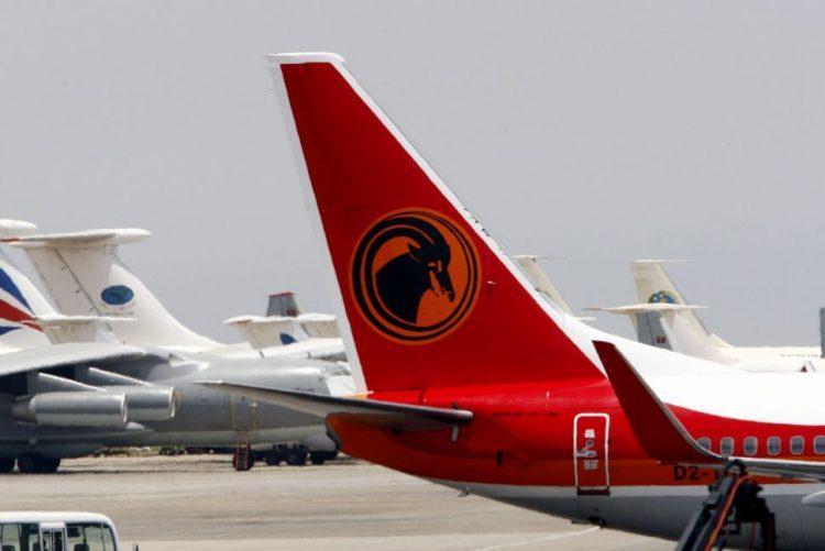 Taag negoceia compra de novos aviões com Boeing e Bombardier