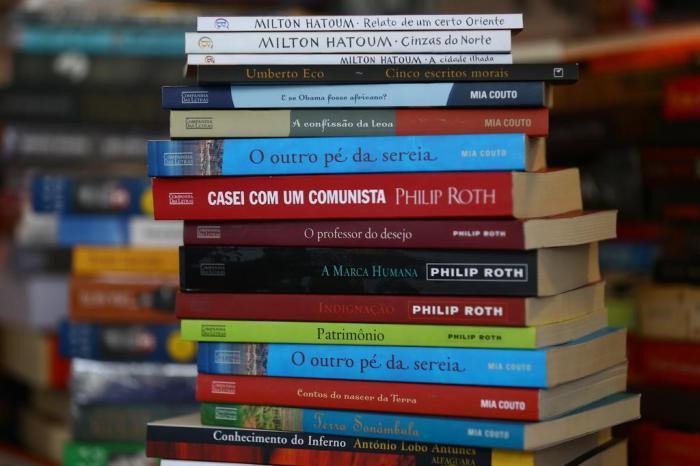 """Política do livro provoca """"concorrência desleal"""""""