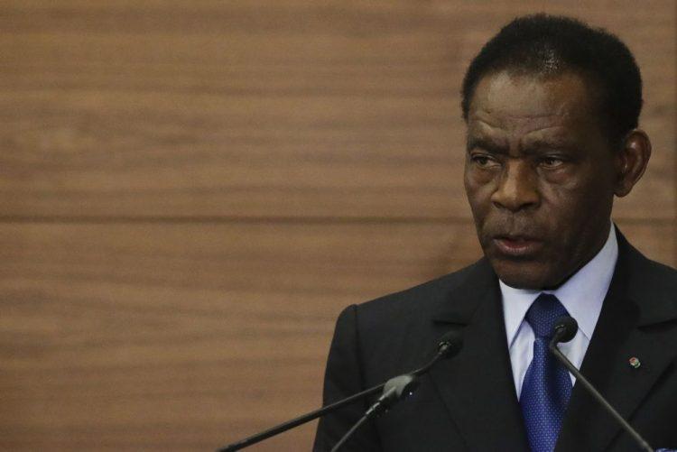 """Ministro da Economia demitido por """"irregularidades"""""""