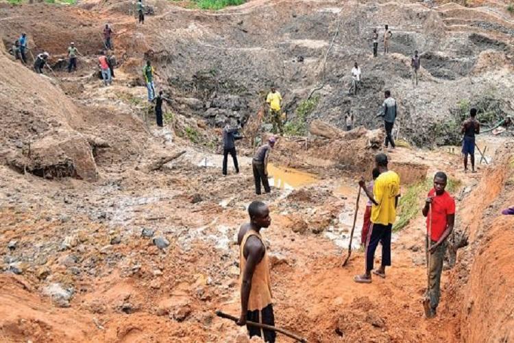 Pelo menos 30 mortos em exploração ilegal de ouro