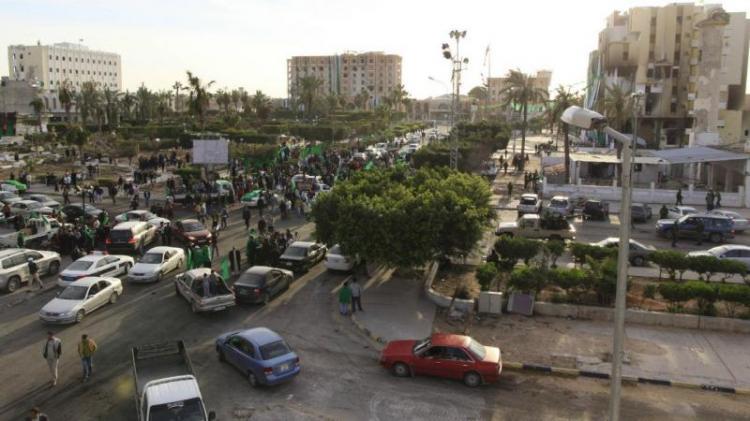 Grupo armado corta abastecimento de água em Tripoli
