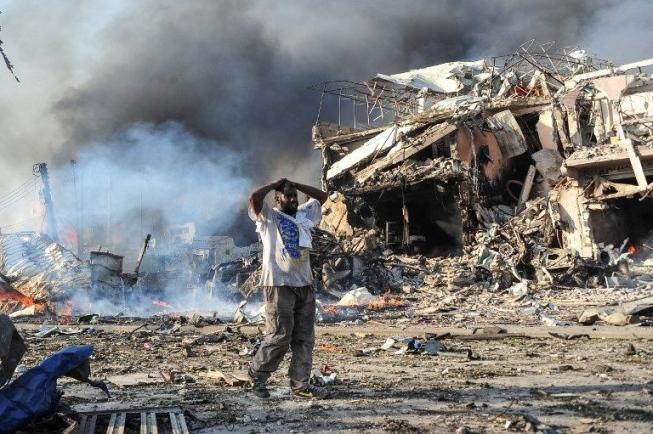 Ataques causam nove mortos