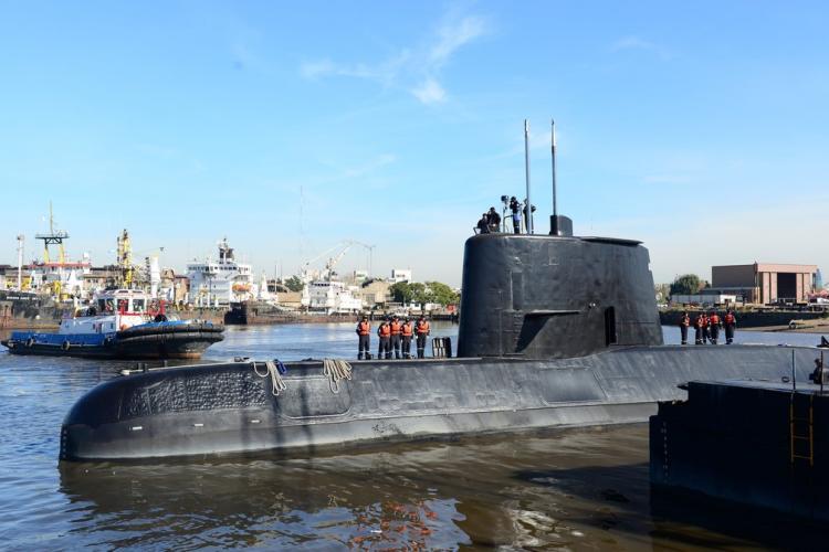 Incêndio a bordo de um submarino causa 14 mortos