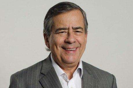 Jornalista Paulo Henrique Amorim morre de enfarte