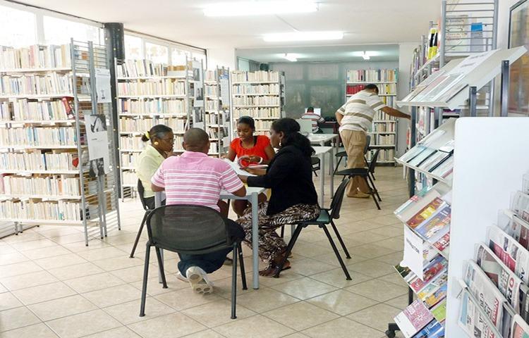 Mediateca de Luanda acolhe festival de Poesia e Letras