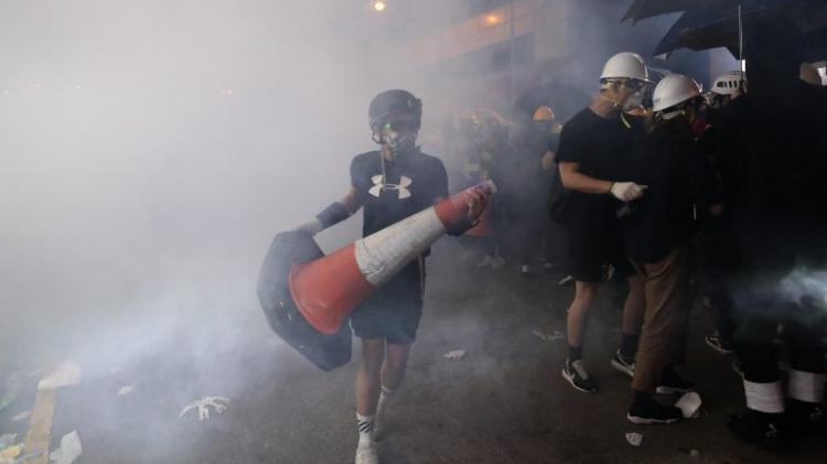 Pelo menos 49 detidos no segundo dia de confrontos