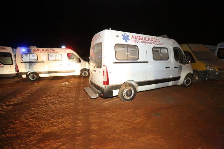 Ambulâncias estacionadas em Viana