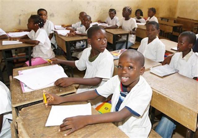 Alunos de Luanda vão ter cinemas nas escolas