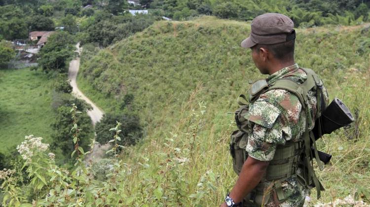 Antigo número dois das FARC anuncia 'nova etapa de luta' armada