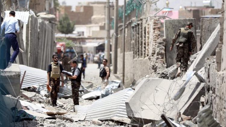 Ataque à bomba faz 14 mortos e 145 feridos