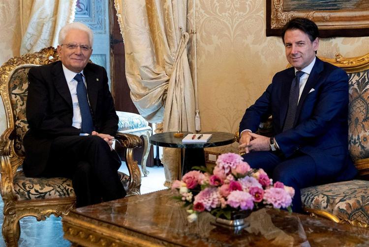 Giuseppe Conte aceita formar um novo governo