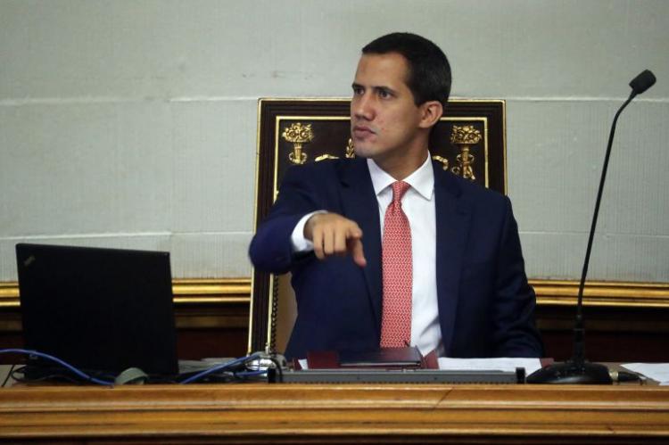 Oposição venezuelana cria