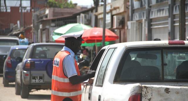 Polícia funde órgãos reguladores do trânsito