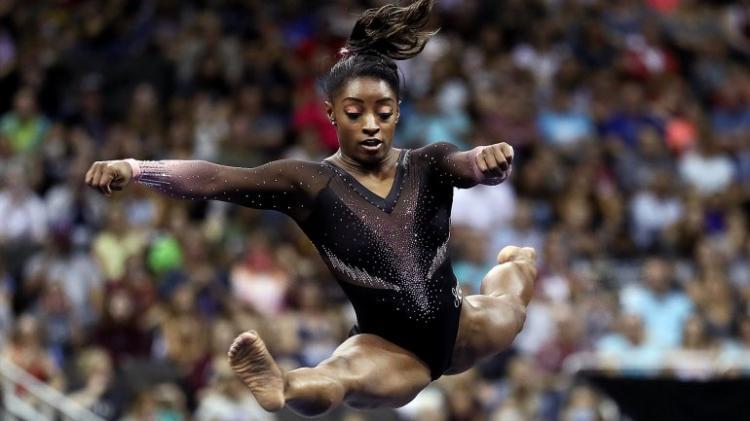 Simone Biles executa movimento nunca antes visto