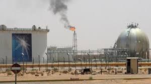 Preços do petróleo disparam após ataques com drones à refinaria saudita