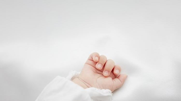 Bebé nasce de mãe em morte cerebral