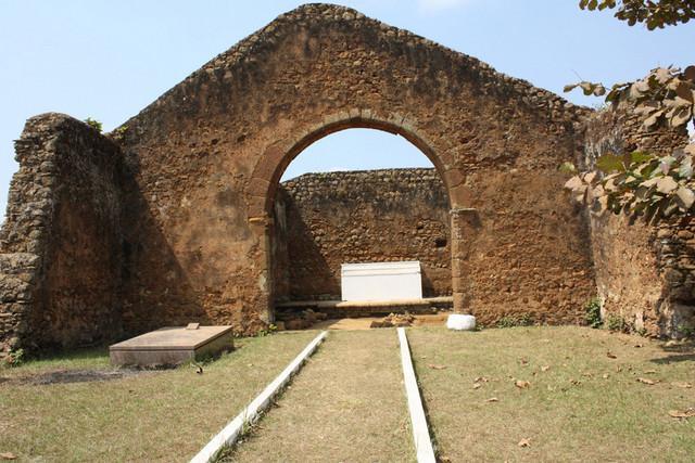 Mbanza Kongo forma guias turísticos