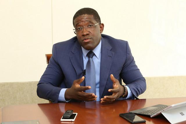 Governo inicia processo para reconversão da economia informal