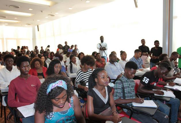 Governo vai uniformizar propinas das universidades privadas