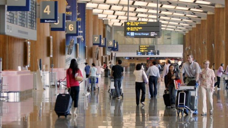 Homem detido por comprar bilhete e não viajar