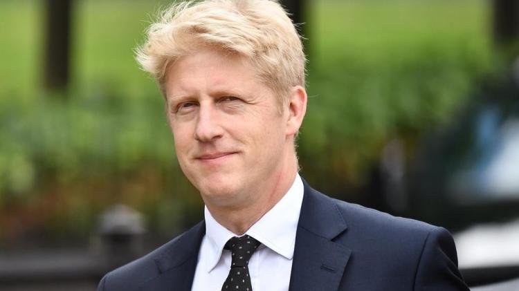 Irmão do primeiro-ministro Boris Johnson demite-se