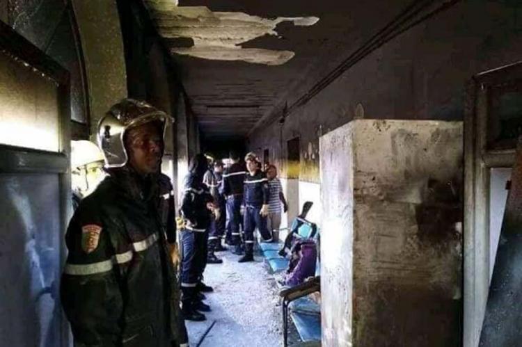 Oito bebés morrem em incêndio numa maternidade
