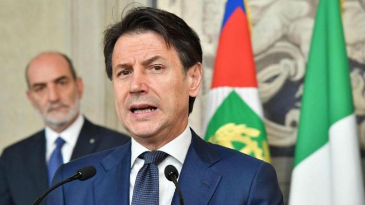 Primeiro-ministro promete apresentar novo governo até quarta-feira