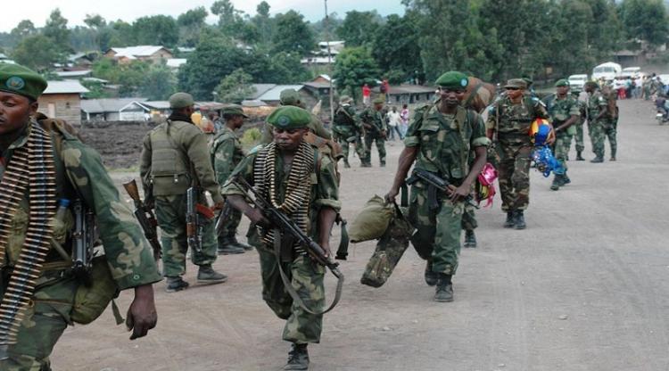 Ataque de milícias deixa 14 mortos