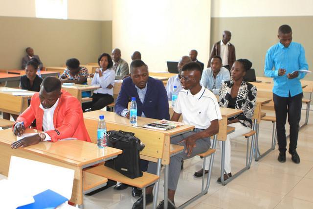 Relatório sobre adequação curricular em análise