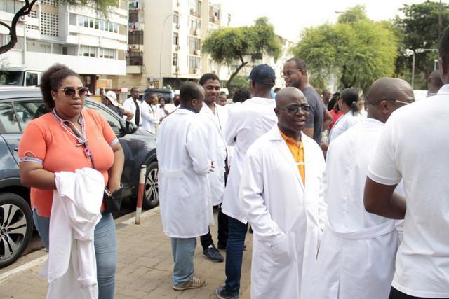 Disponíveis mais de 300 vagas para a saúde
